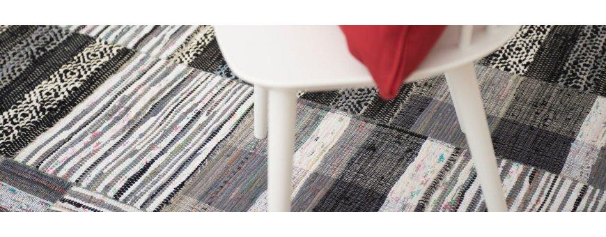 Laadukkaita Mattoja eteiseen. Meiltä löydät hyviä vaihtoehtoja matoista, jotka ovat helppo pitää puhtaana ja soveltuvat eteiseen. Katso tästä myös käytävämattoja.