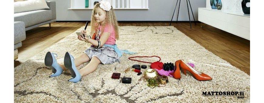 Valikoimastamme löydät opettavaiset, pirteät ja edulliset lasten huoneen matot. Tutustu tuotteisiin tarkemmin verkkokaupassa!